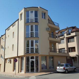 жилищна сграда с търговска площ на ул.Неофит Бозвели гр.Сливен